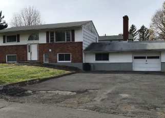 Foreclosed Home en OXFORD RD, New Windsor, NY - 12553