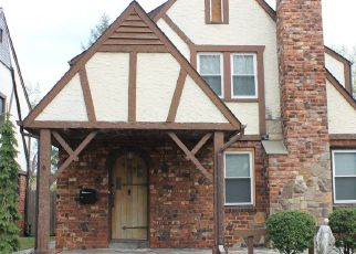 Foreclosed Home in LAKEVIEW AVE, Lynbrook, NY - 11563