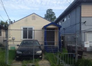 Foreclosed Home en 90TH AVE, Oakland, CA - 94603