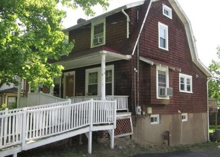 Foreclosed Home en WAYNE AVE, Suffern, NY - 10901