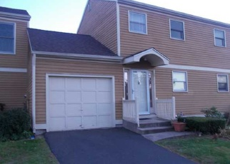 Foreclosed Home en ASPEN CT, Bloomfield, CT - 06002