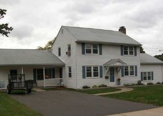 Foreclosed Home en EVERGREEN RD, Manchester, CT - 06042