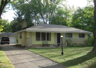 Foreclosed Home en W TERRY AVE, Milwaukee, WI - 53223