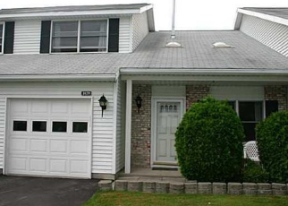 Foreclosed Home en CUNNINGHAM DR, Victor, NY - 14564