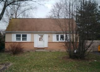 Casa en ejecución hipotecaria in Gilbertsville, PA, 19525,  AMMON AVE ID: P1055784