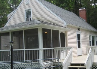 Foreclosed Home en DUNCASTER RD, Bloomfield, CT - 06002