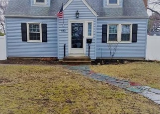 Foreclosed Home in CENTER ST, Manchester, CT - 06040