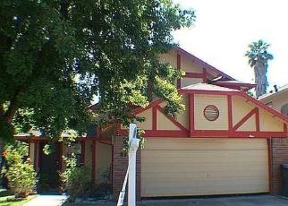 Foreclosed Home en CARLIN AVE, Sacramento, CA - 95823