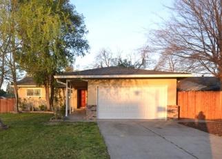 Foreclosed Home en DENSLOW WAY, Sacramento, CA - 95823