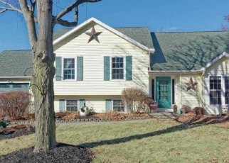 Foreclosed Home en MANOR BLVD, Troy, NY - 12180