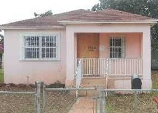Foreclosed Home en NW 68TH TER, Miami, FL - 33147