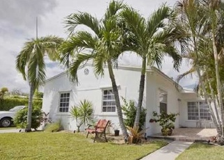 Foreclosed Home en NE 2ND CT, Hallandale, FL - 33009