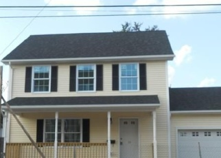 Foreclosed Home en COLONIAL ST, Hartford, CT - 06106