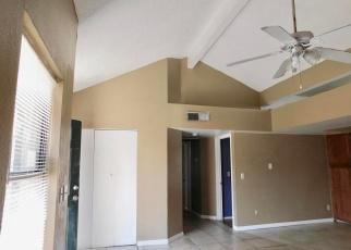 Foreclosed Home en W EMERALD AVE, Mesa, AZ - 85202