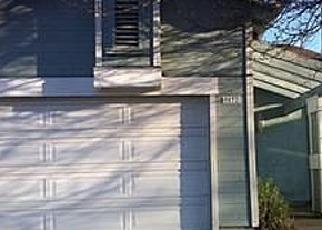 Foreclosed Home en BESTOW WAY, Sacramento, CA - 95842