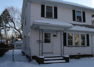 Foreclosed Home en PARKSIDE CRES, Rochester, NY - 14617