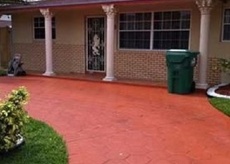 Foreclosed Home en NW 200TH TER, Miami, FL - 33169