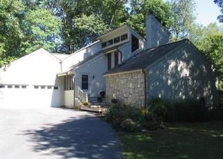 Foreclosed Home en KATRINA CIR, Bethel, CT - 06801
