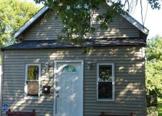 Casa en ejecución hipotecaria in Sharon Hill, PA, 19079,  BAYARD AVE ID: P1059025
