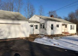 Foreclosed Home en CEMETERY RD, East Windsor, CT - 06088