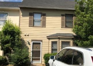 Foreclosed Home en OAKS PKWY SE, Smyrna, GA - 30082