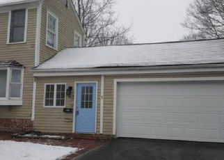 Foreclosed Home en PLEASANT ST, Windsor, CT - 06095