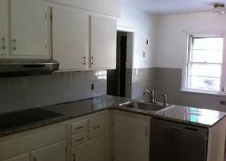 Foreclosed Home en PARKVIEW BLVD, Lansdowne, PA - 19050