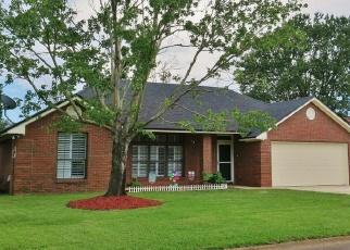 Foreclosed Home en PEABODY DR E, Jacksonville, FL - 32221