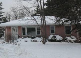 Foreclosed Home en COWERN PL E, Saint Paul, MN - 55109