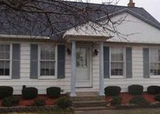 Foreclosed Home en E MELCOURT DR, Buffalo, NY - 14225