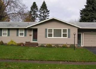 Foreclosed Home en KINGS LN, Rochester, NY - 14617