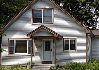 Foreclosed Home en LYNN AVE, Queensbury, NY - 12804