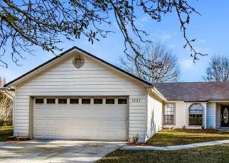 Foreclosed Home en ROSE HILL DR W, Jacksonville, FL - 32221