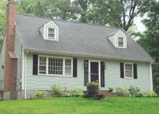 Foreclosed Home en RATLEY RD, West Suffield, CT - 06093