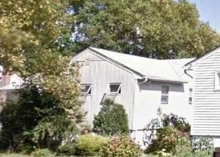 Foreclosed Home in KALMIA LN, Valley Stream, NY - 11581
