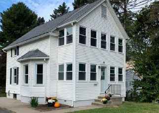 Foreclosed Home en ROOSEVELT AVE, Terryville, CT - 06786