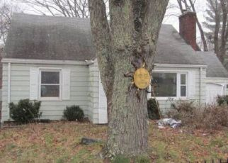 Foreclosed Home en GROVE ST, Vernon Rockville, CT - 06066