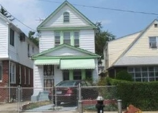 Foreclosed Home en DUNKIRK DR, Saint Albans, NY - 11412