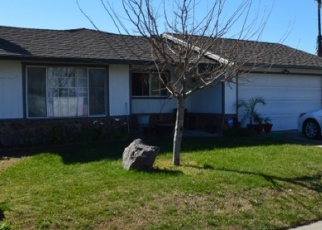 Foreclosed Home en ESTES WAY, Sacramento, CA - 95838