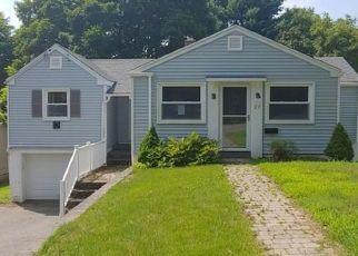Foreclosed Home en VIOLA ST, Oakville, CT - 06779
