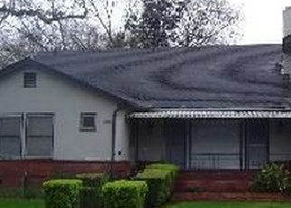 Foreclosed Home en MANCHESTER AVE, Stockton, CA - 95204