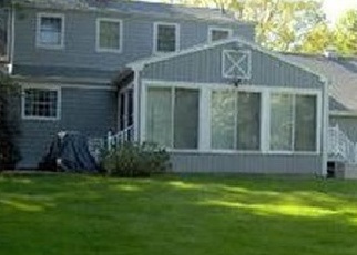 Foreclosed Home en STONEHOUSE RD, Trumbull, CT - 06611