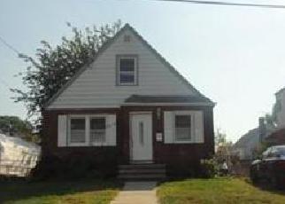 Casa en ejecución hipotecaria in Valley Stream, NY, 11580,  VIOLA ST ID: P1061433