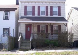 Foreclosed Home en CARTER ST, Newburgh, NY - 12550