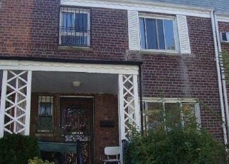 Foreclosed Home en 66TH AVE, Forest Hills, NY - 11375