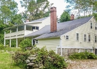Foreclosed Home en BERKSHIRE RD, Sandy Hook, CT - 06482