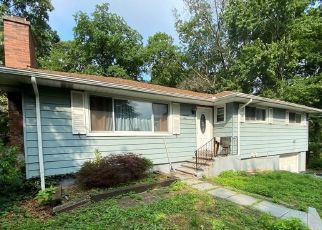 Foreclosed Home in EDWARD ST, West Haven, CT - 06516