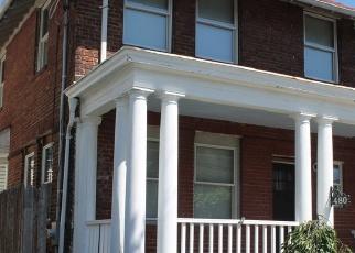Foreclosed Home en EAST AVE, Bridgeport, CT - 06610