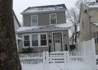 Foreclosed Home en 208TH ST, Cambria Heights, NY - 11411