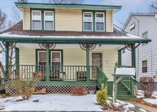 Foreclosed Home en NESBIT AVE, West Hartford, CT - 06119